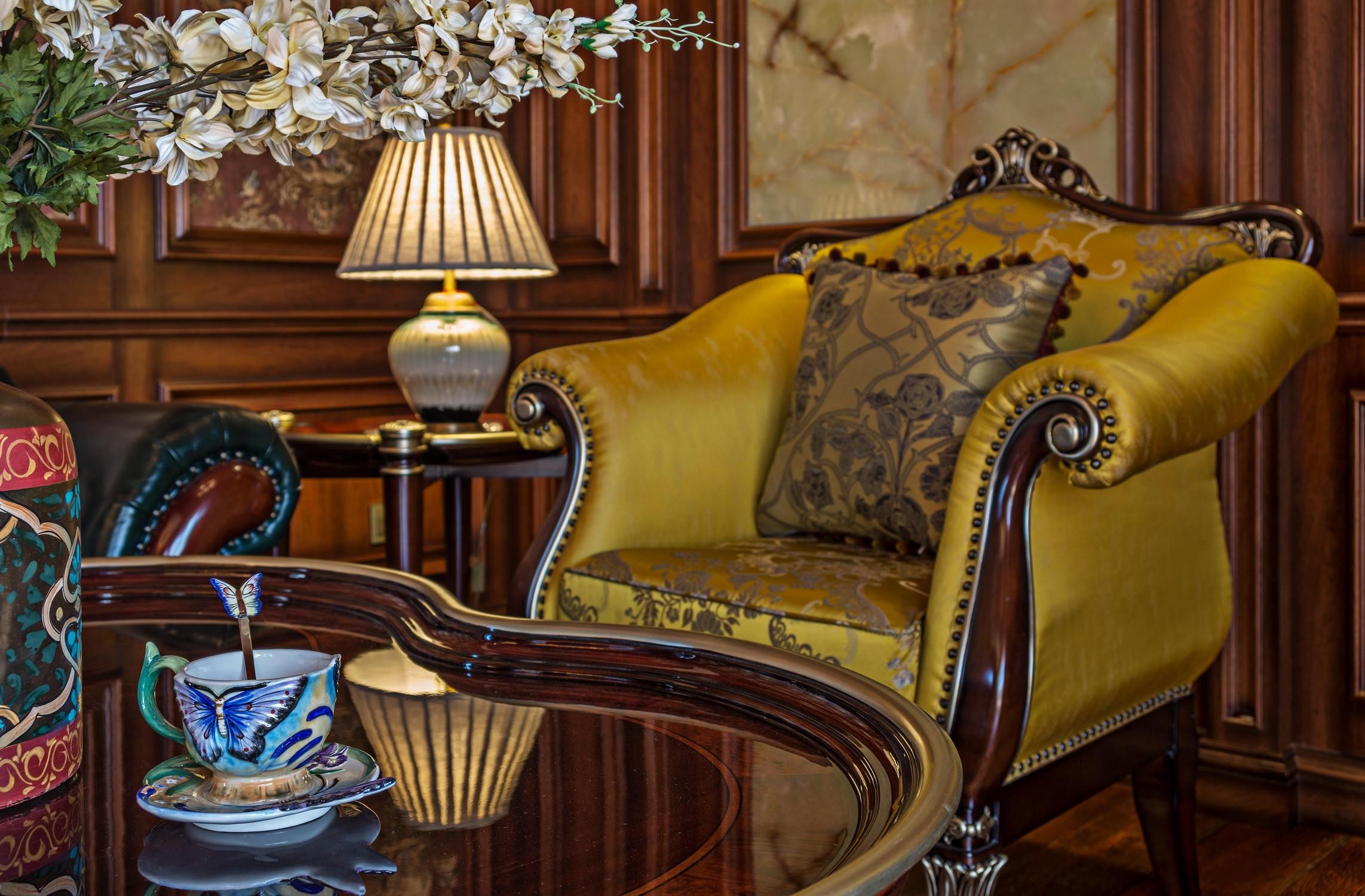 美式古典别墅装修单人沙发图片