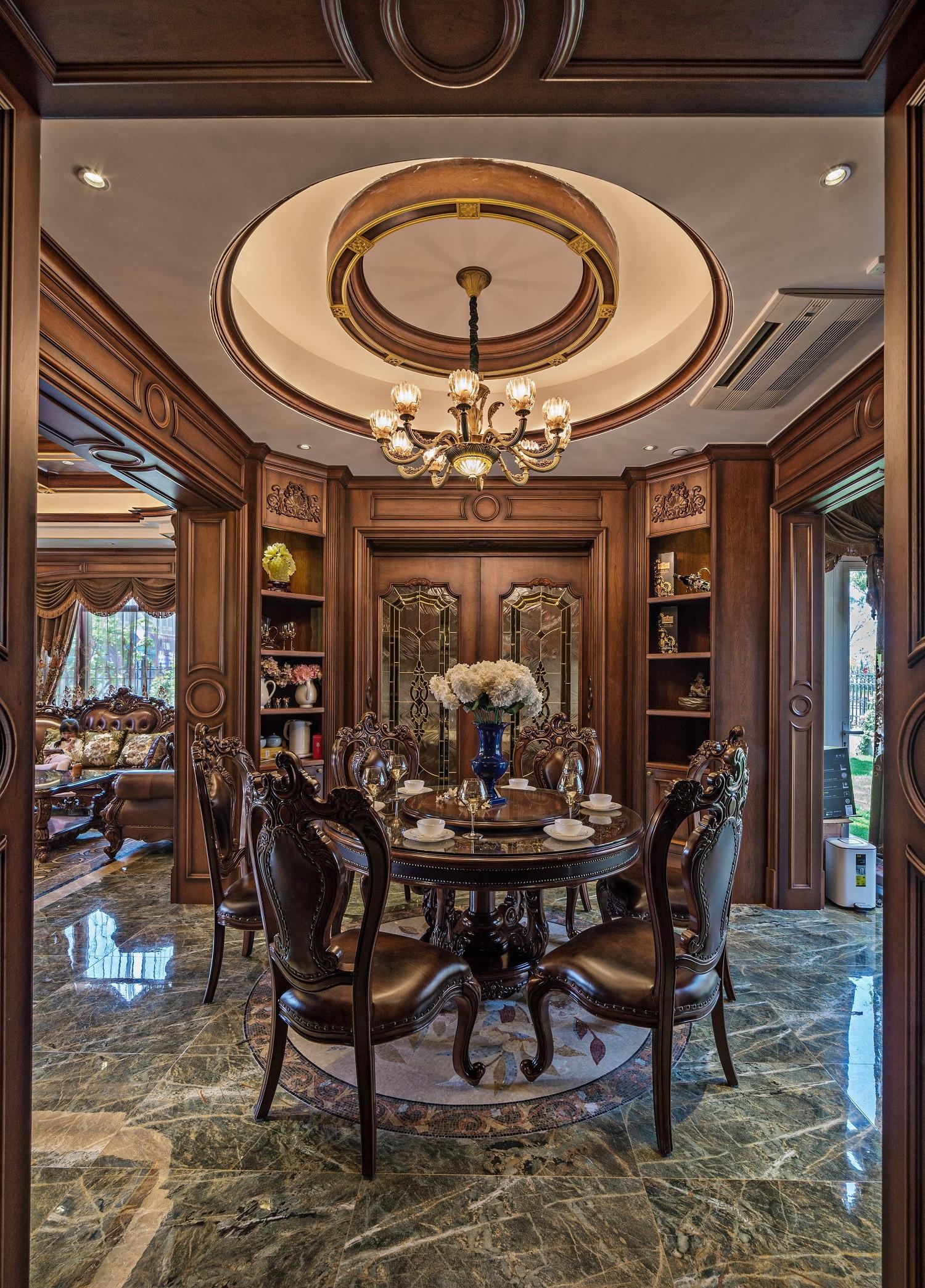 美式古典别墅装修餐厅顶面造型图