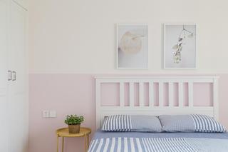 日式三居装修床头一角