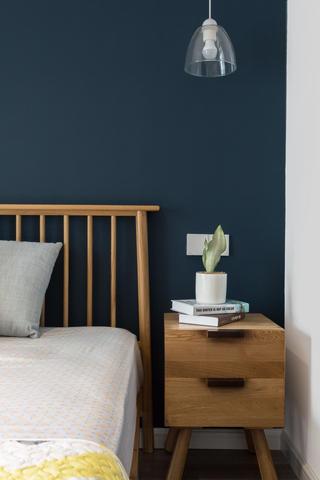 二居室北欧之家床头柜图片