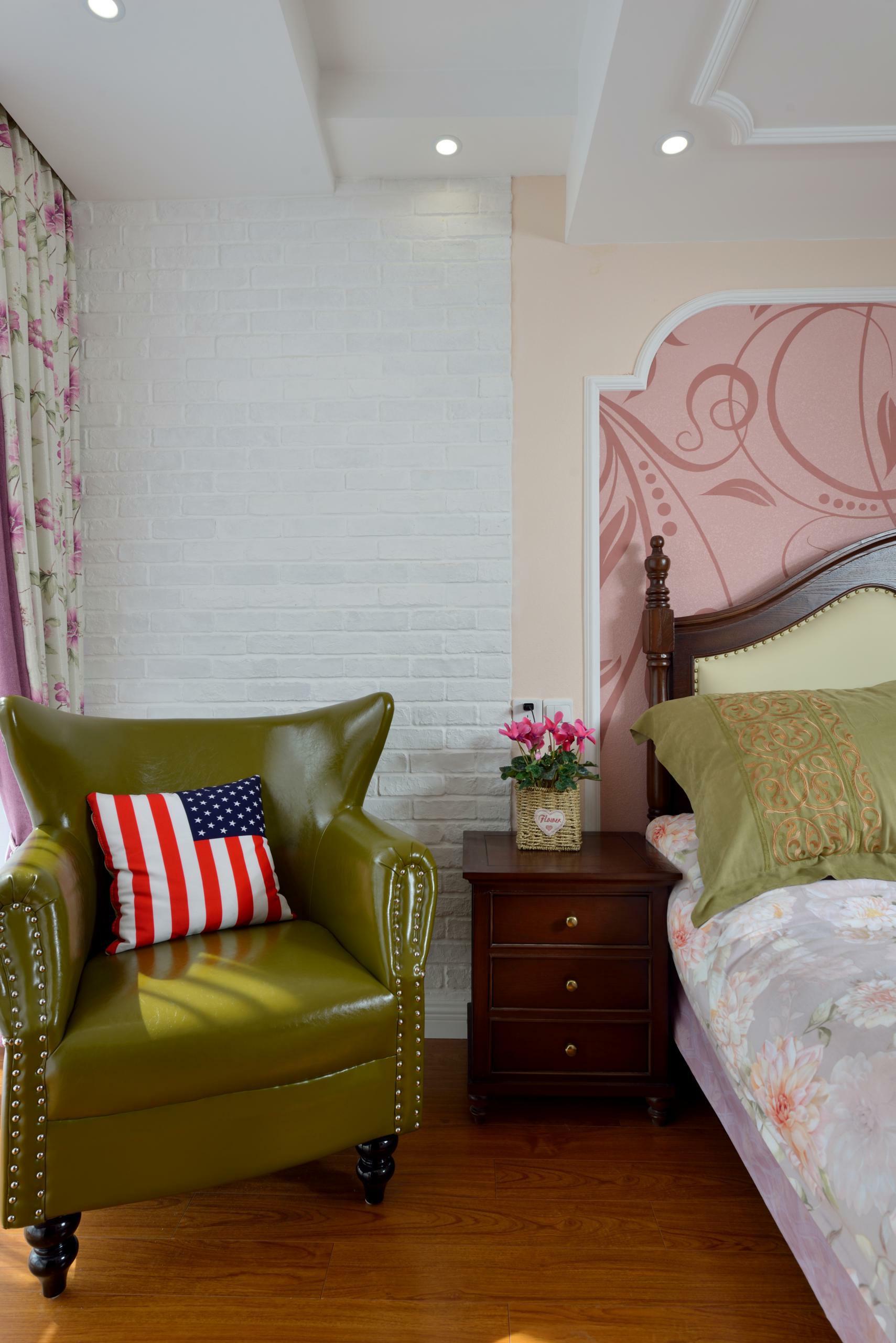 美式四房装修单人沙发图片