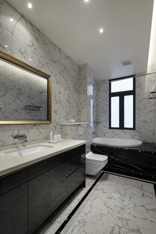 大户型现代风格设计卫生间效果图