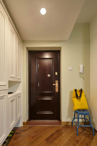 新北欧三居室装修门厅布置图