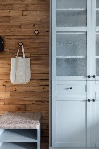 72平一室一厅混搭装修门厅墙面设计
