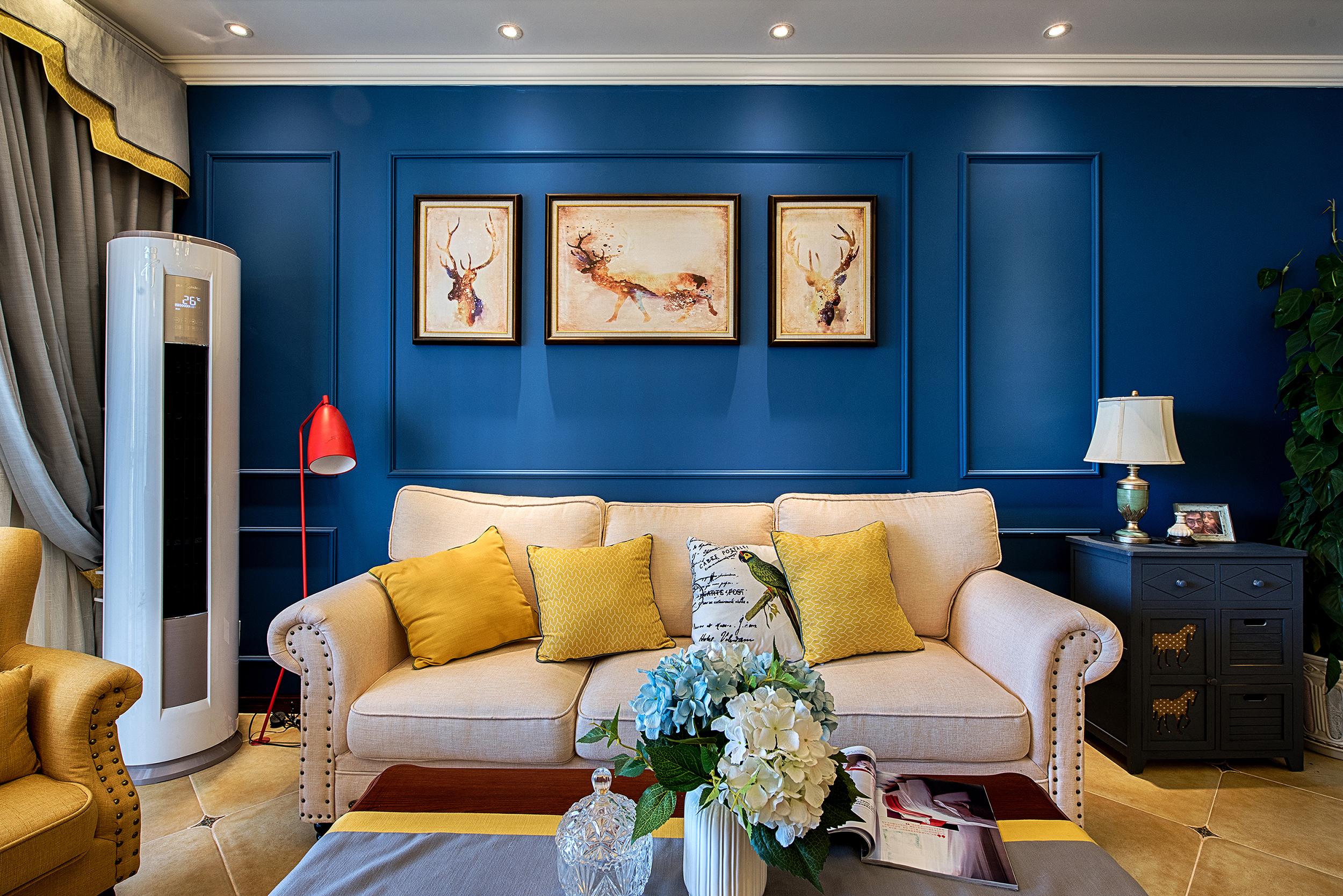 70平美式二居沙发抱枕图片