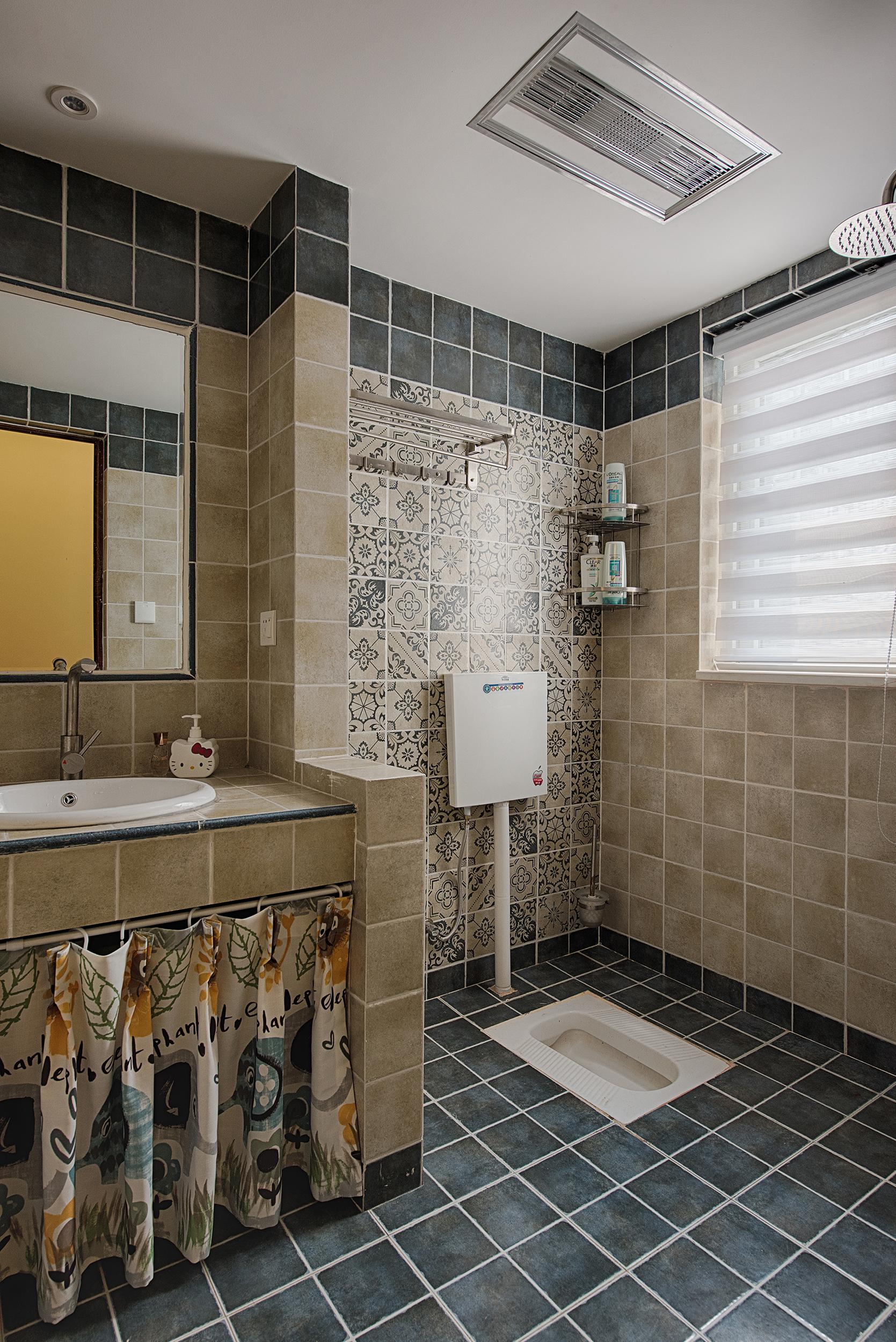 70平美式二居卫生间装潢图