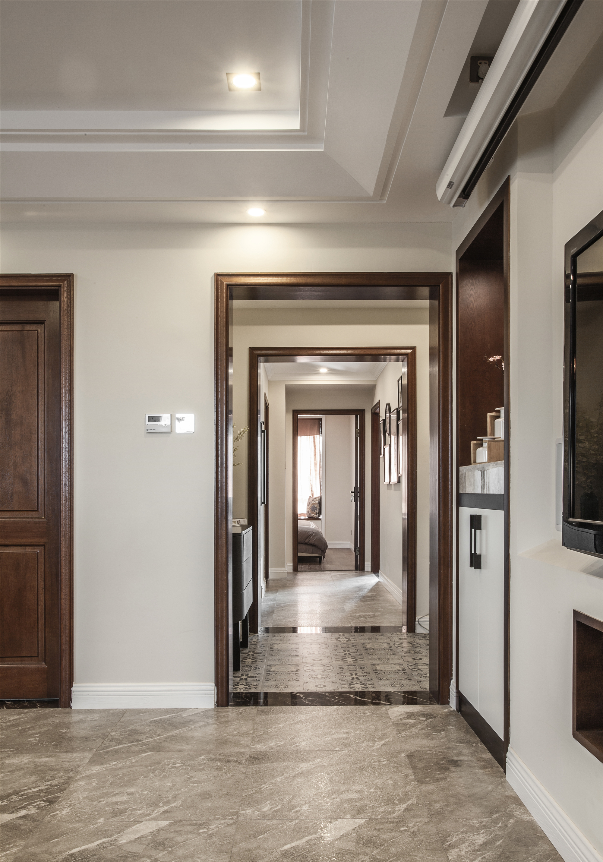 126平三居室装修门套设计