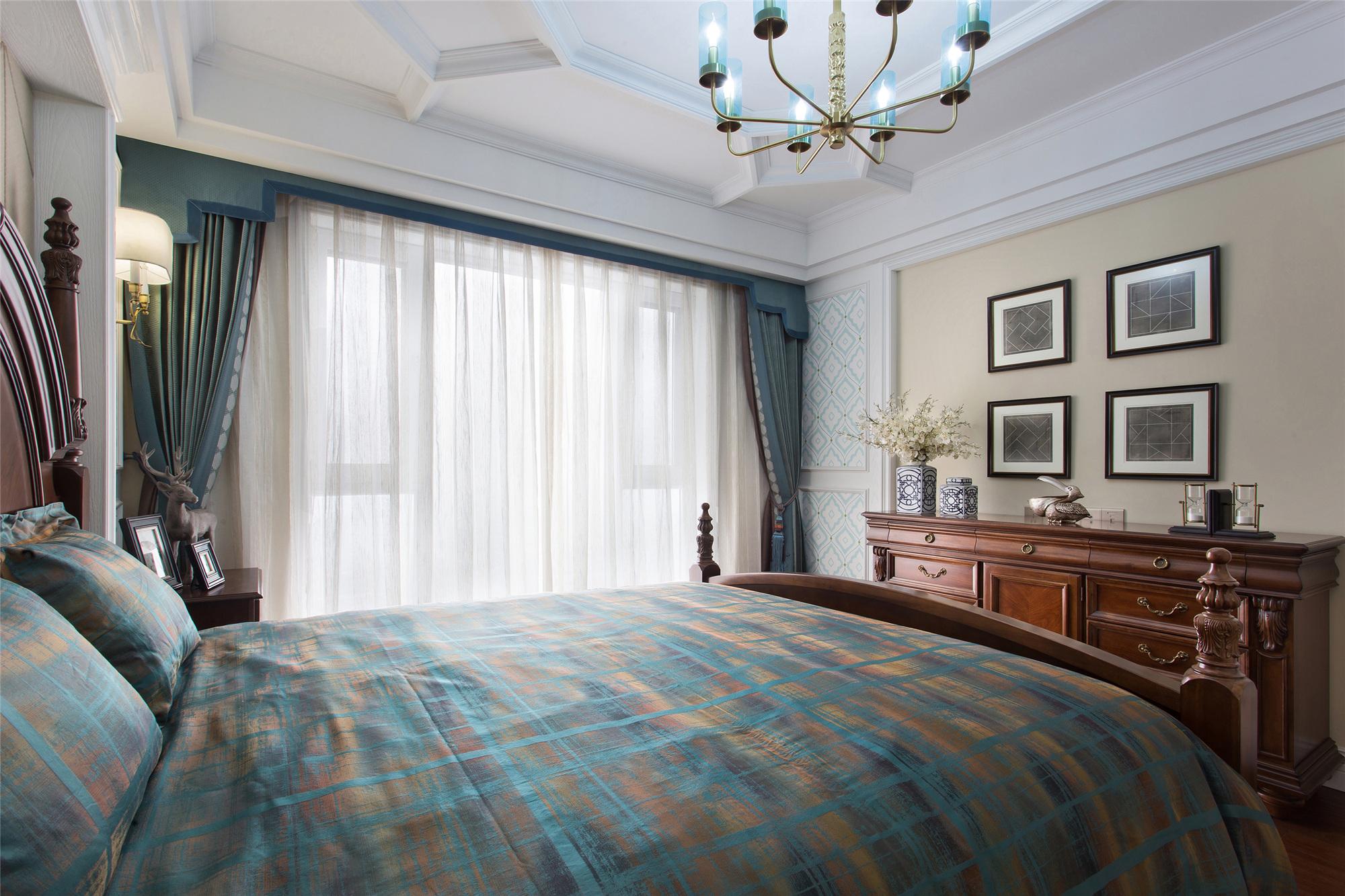 180㎡美式装修卧室顶面造型图片