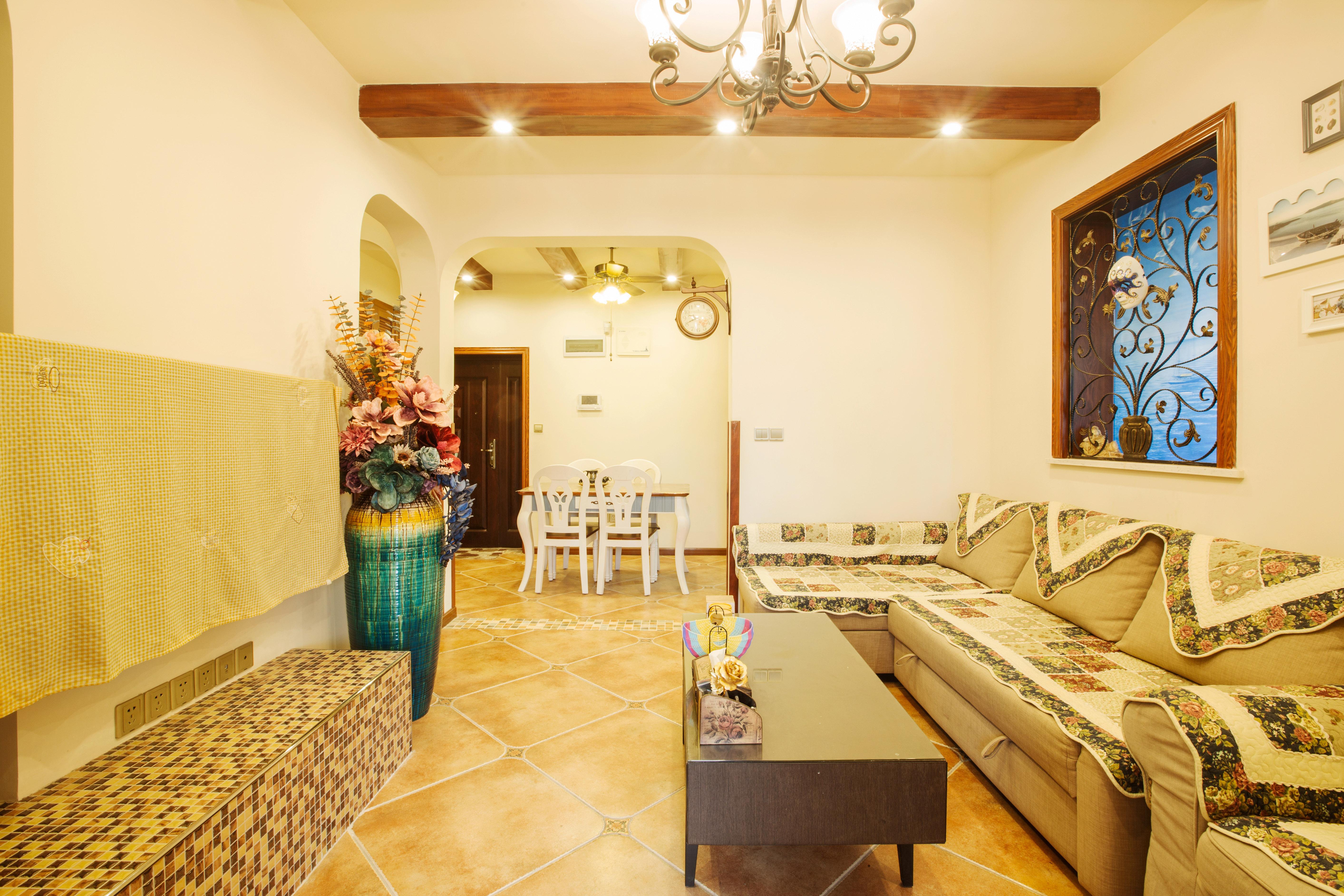 80㎡地中海风格装修客厅欣赏图