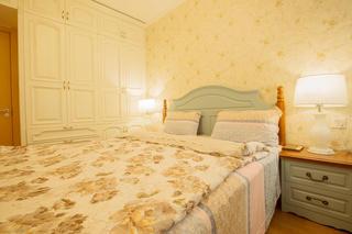 二居室混搭风格装修衣柜图片
