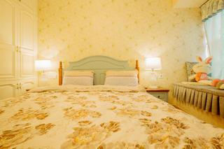 二居室混搭风格装修床头背景墙图片