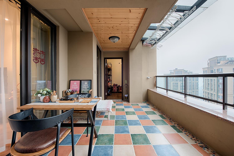 美式四居室装修阳台欣赏图