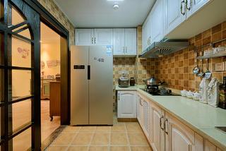 美式四居室装修厨房设计图