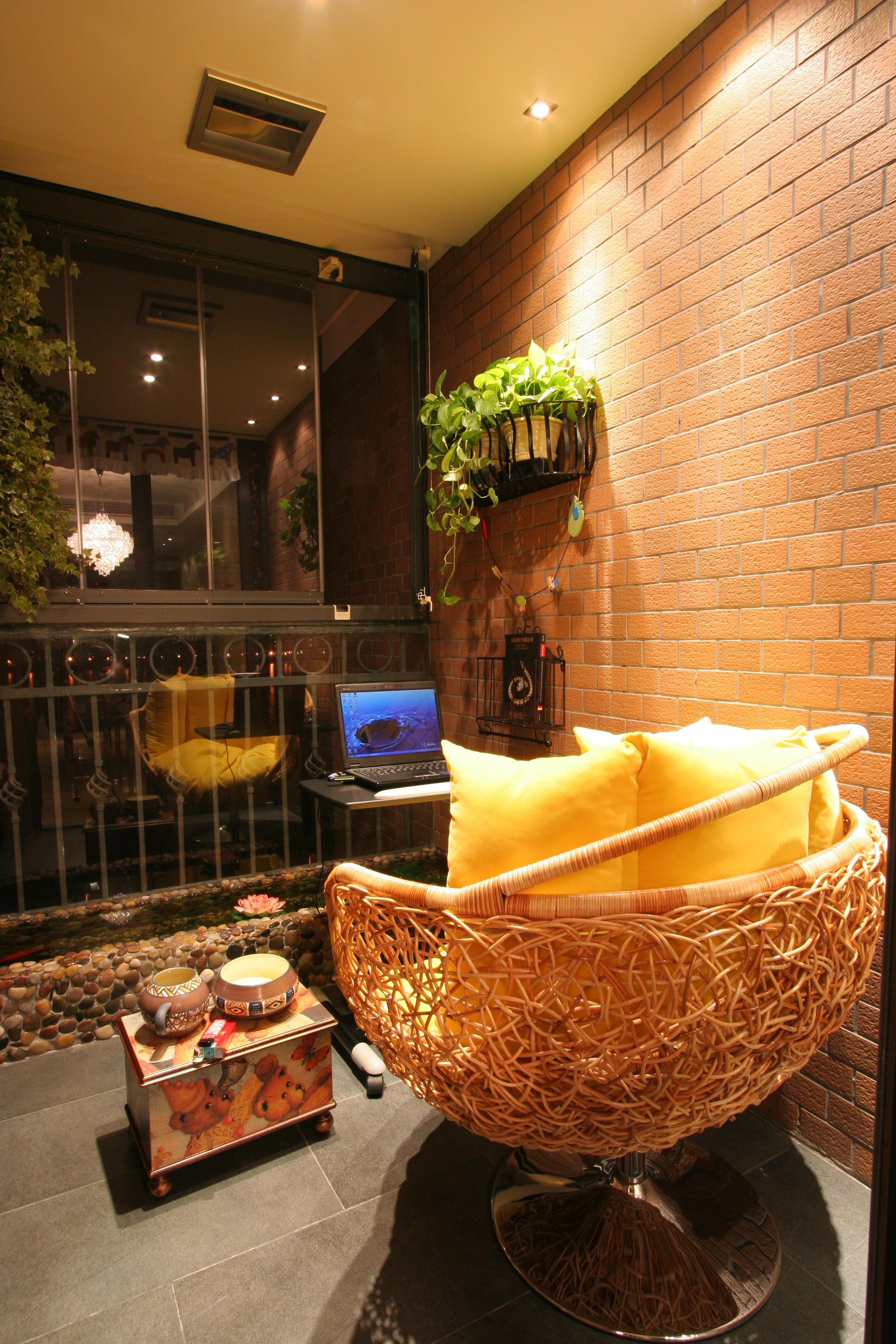 三居室现代风格家阳台实景图