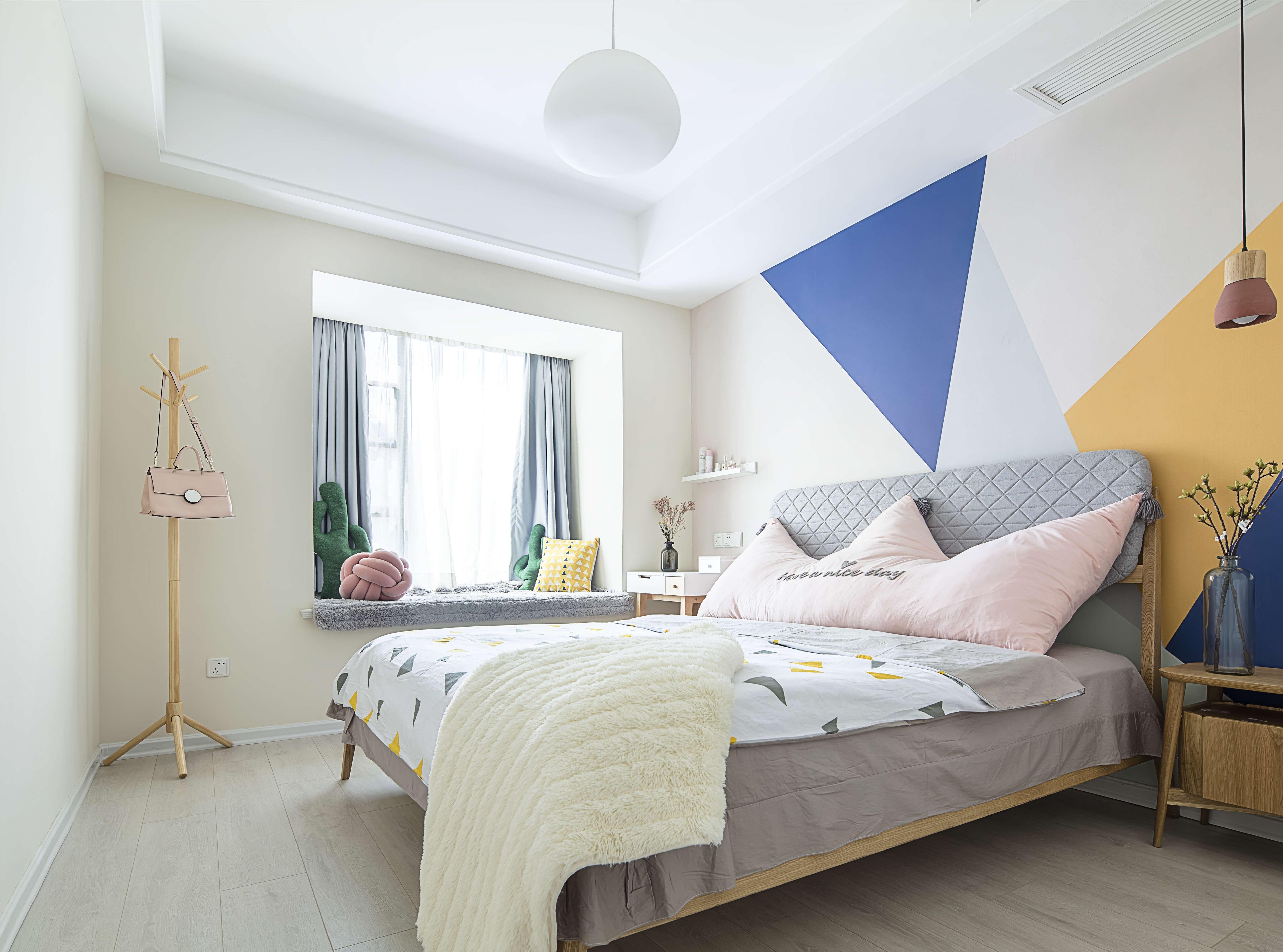 100平北欧风格家卧室效果图