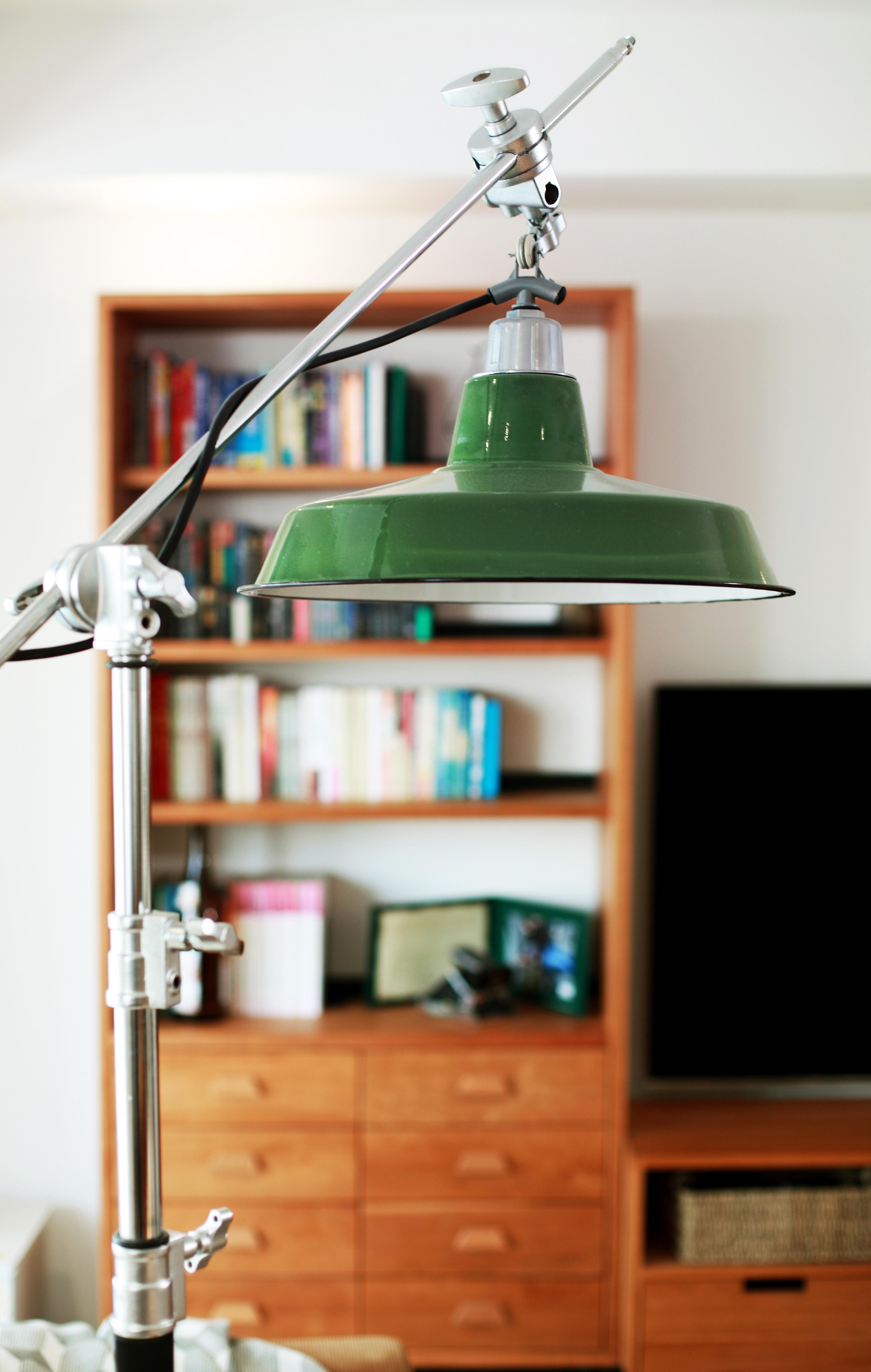 简约二居室空间灯具特写
