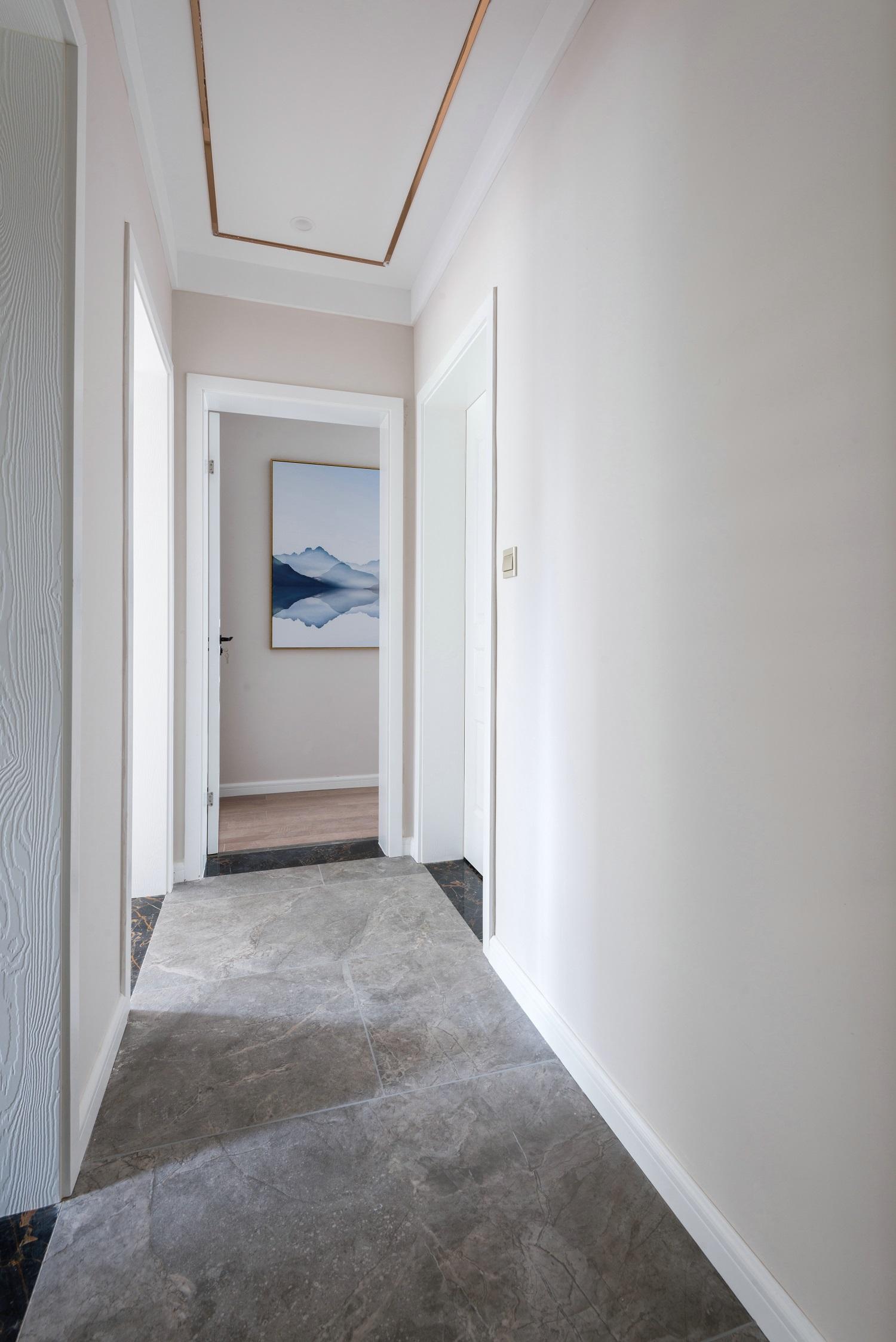 120平新中式设计卧室过道
