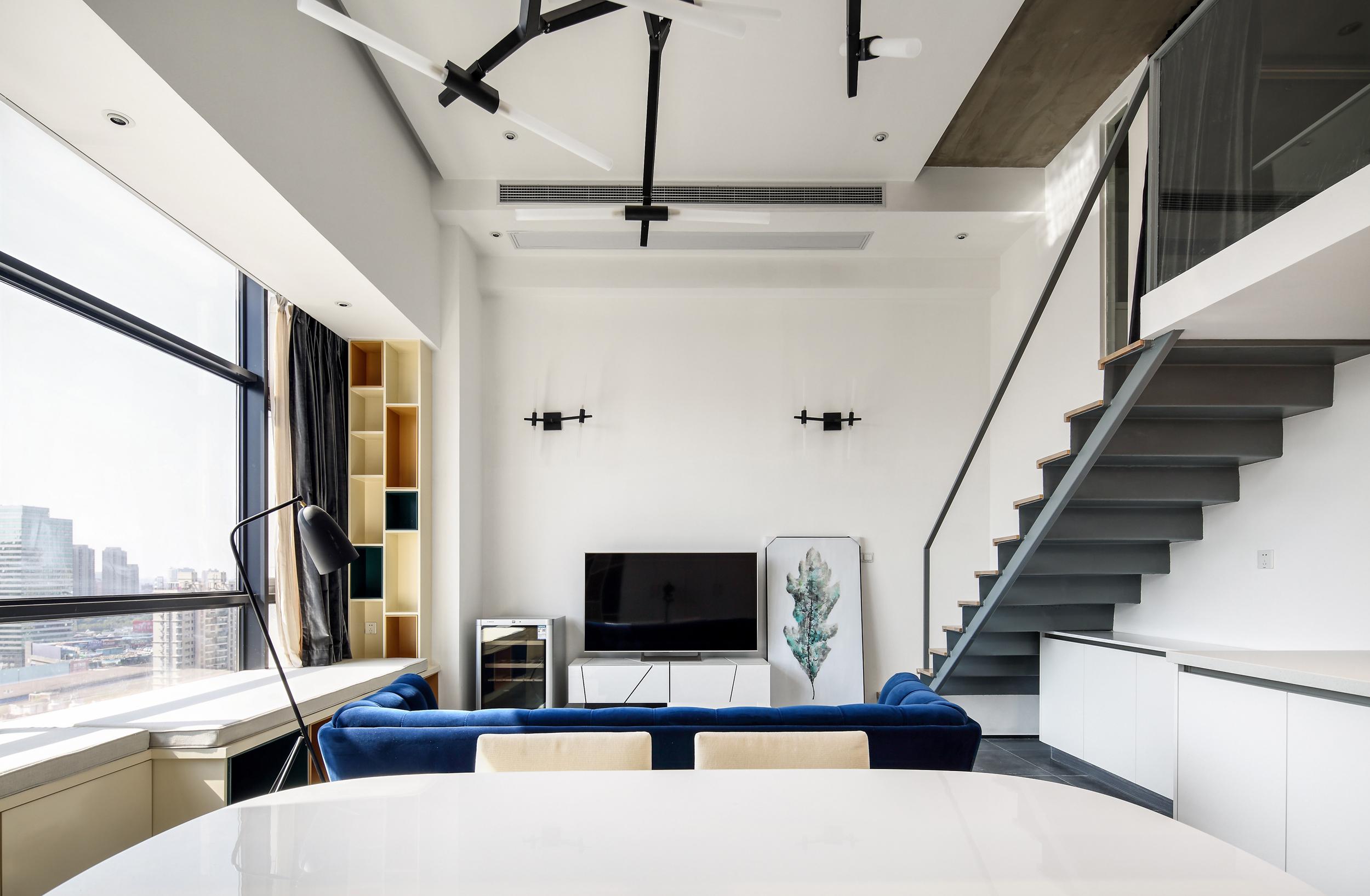 80平loft风格装修电视背景墙图片