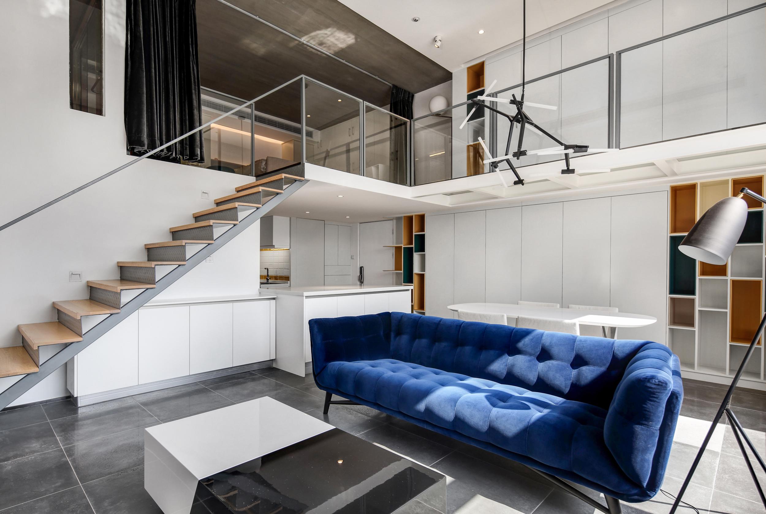 80平loft风格装修客餐厅效果图