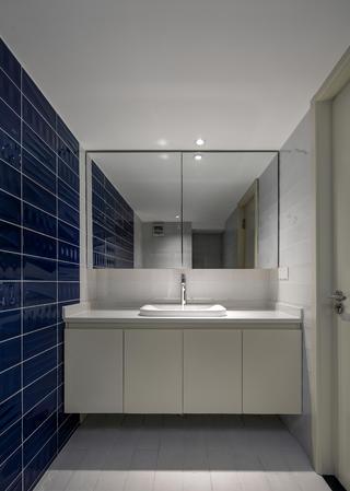 80平loft风格装修洗手台图片