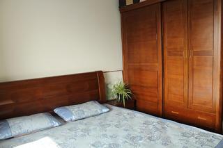 70㎡美式二居装修衣柜图片