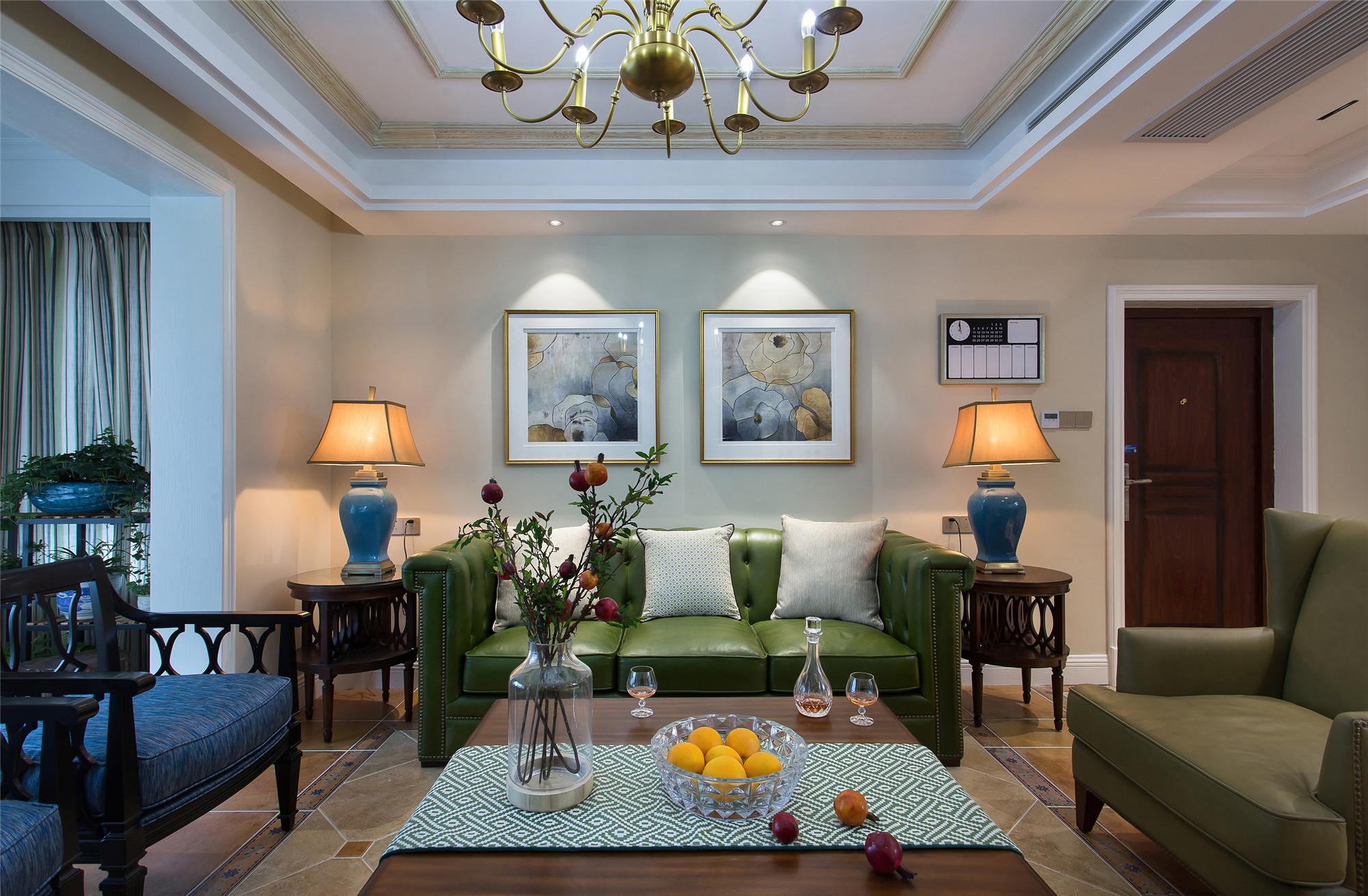 美式四居室装修沙发背景墙图片