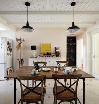 70平北欧风装修餐桌图片