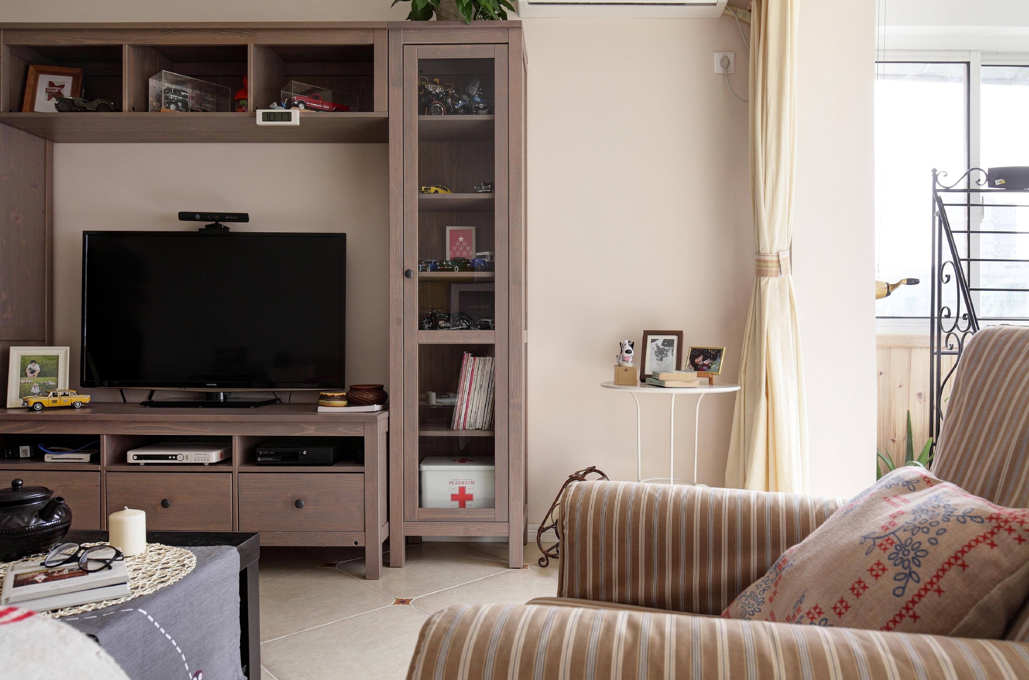 70平北欧风装修电视柜图片