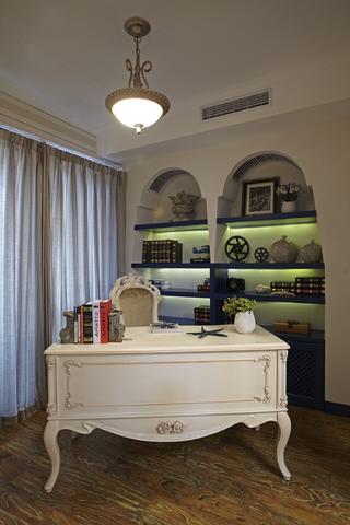 地中海三居室装修书房布置图