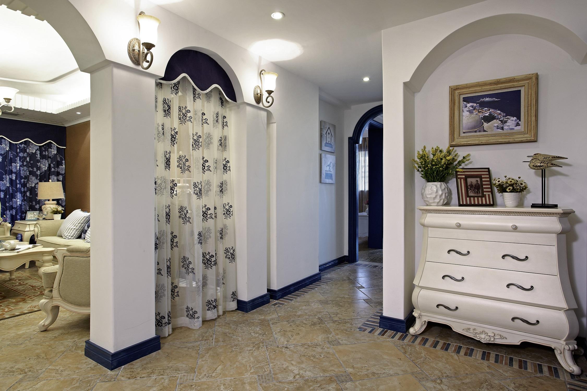 地中海三居室装修玄关设计