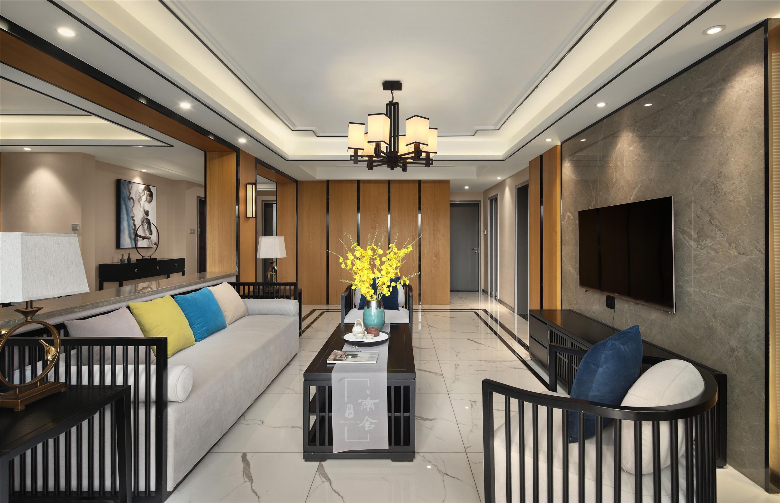 140㎡新中式装修客厅吊顶图片