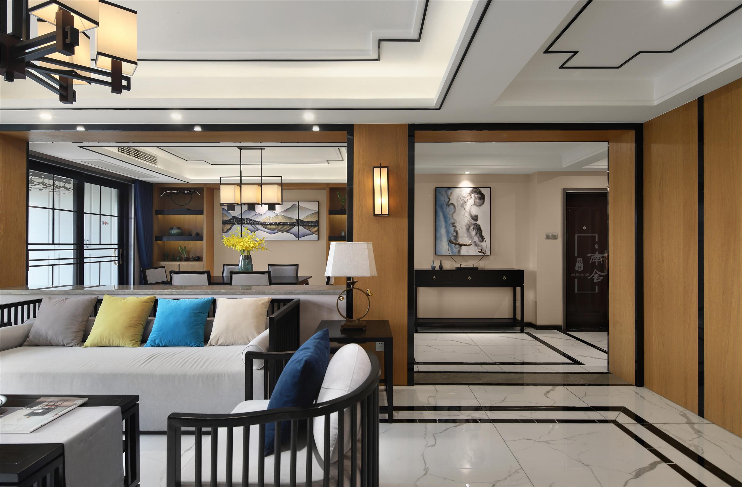 140㎡新中式装修客厅过道