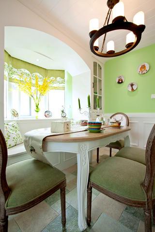 大户型美式装修餐桌设计图