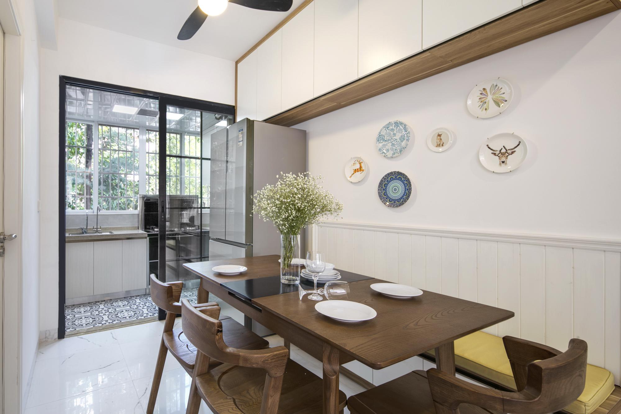 四居室北欧风格家餐厅布置图