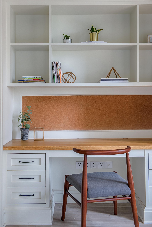 北欧风格家书桌图片