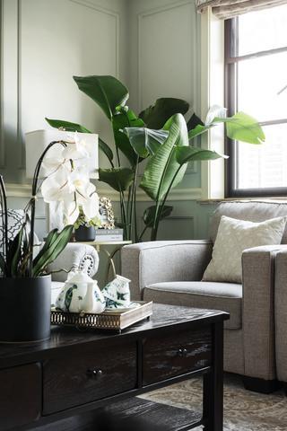 现代美式四居装修沙发一隅
