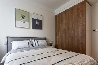 现代北欧三居装修次卧衣柜图片