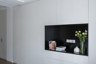 现代简约装修衣柜墙设计