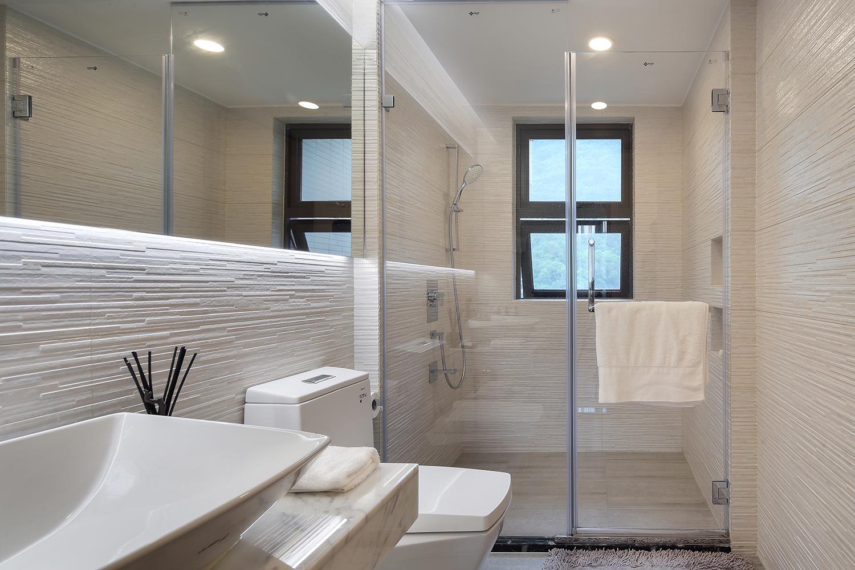 现代简约二居空间卫生间效果图