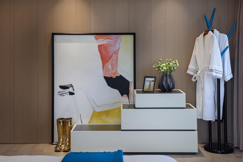 现代简约二居空间卧室一角装饰