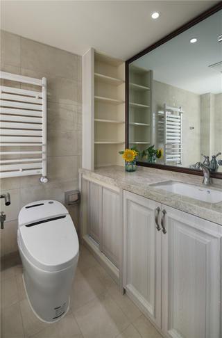 三居室简约美式装修浴室柜图片