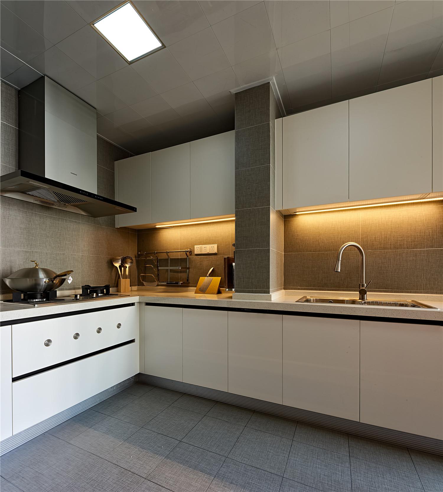 130平混搭风格装修厨房欣赏图
