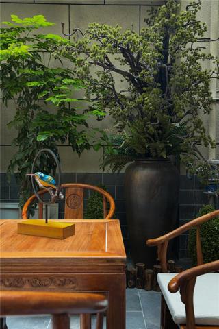 中式别墅装修花园一角
