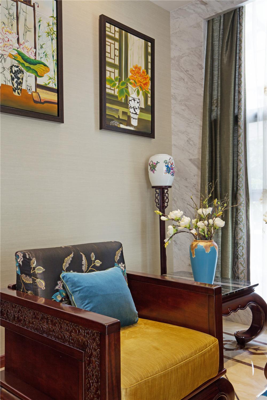 中式别墅装修实木单人沙发图片