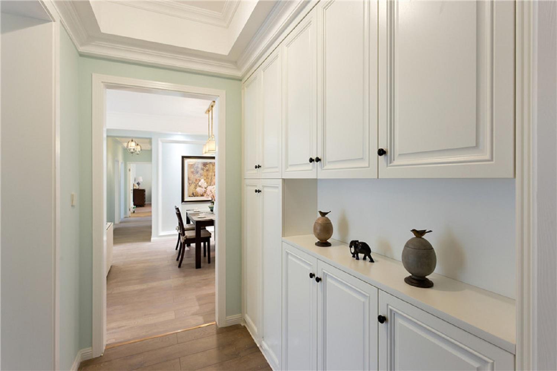 130㎡美式三居之家门厅鞋柜图片