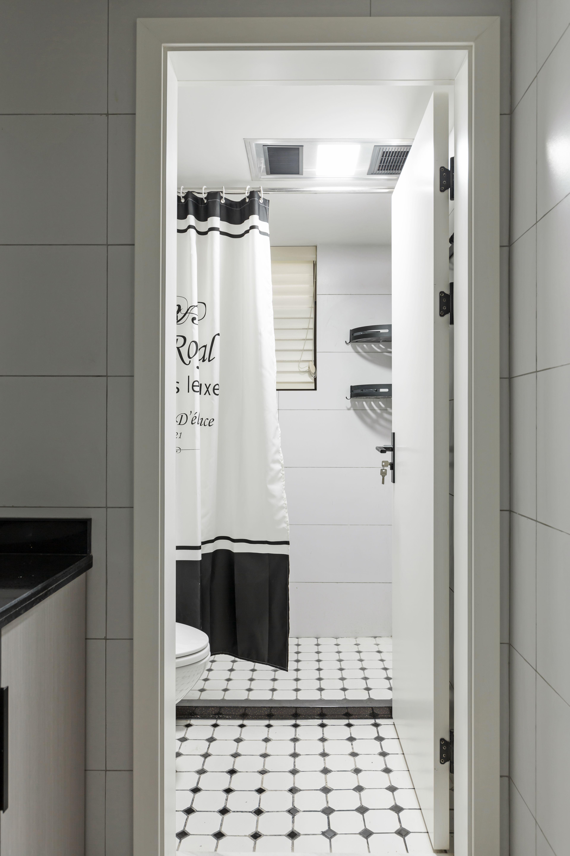 118㎡二居室装修卫生间装潢图