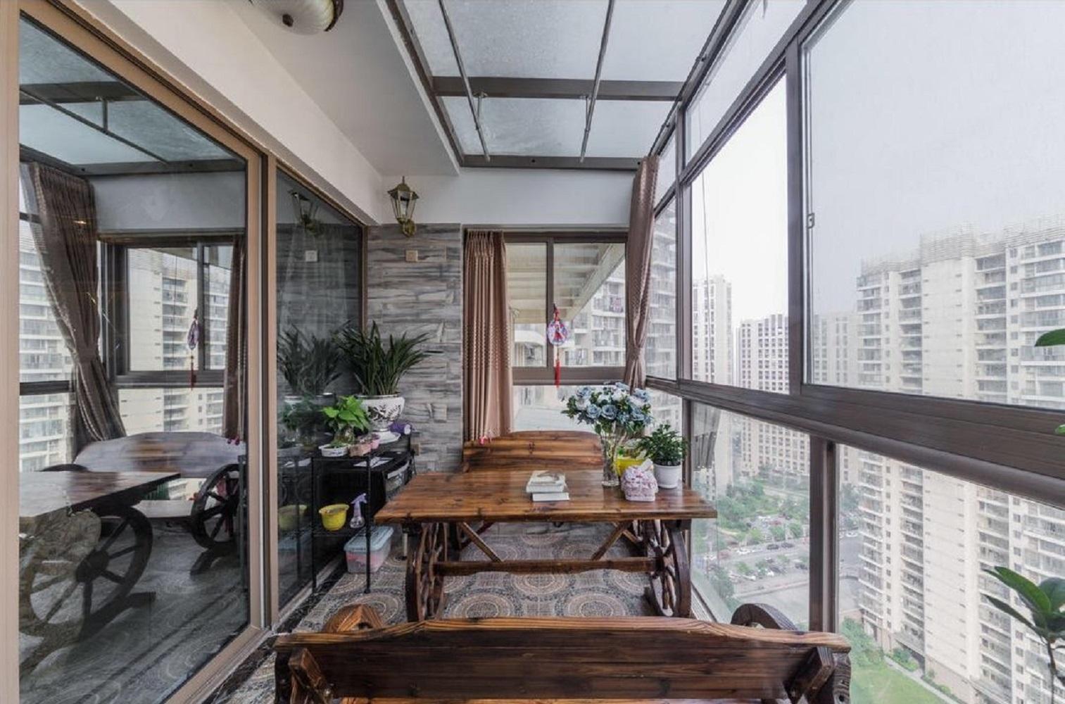 140平欧式风格装修阳台欣赏图