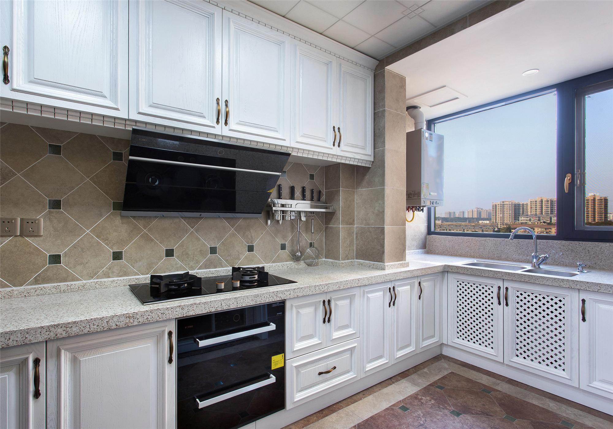 130平美式装修厨房效果图