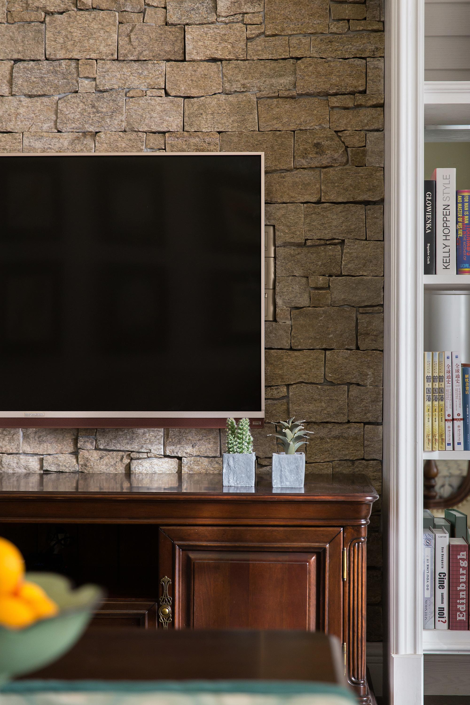 130平美式装修电视柜摆件
