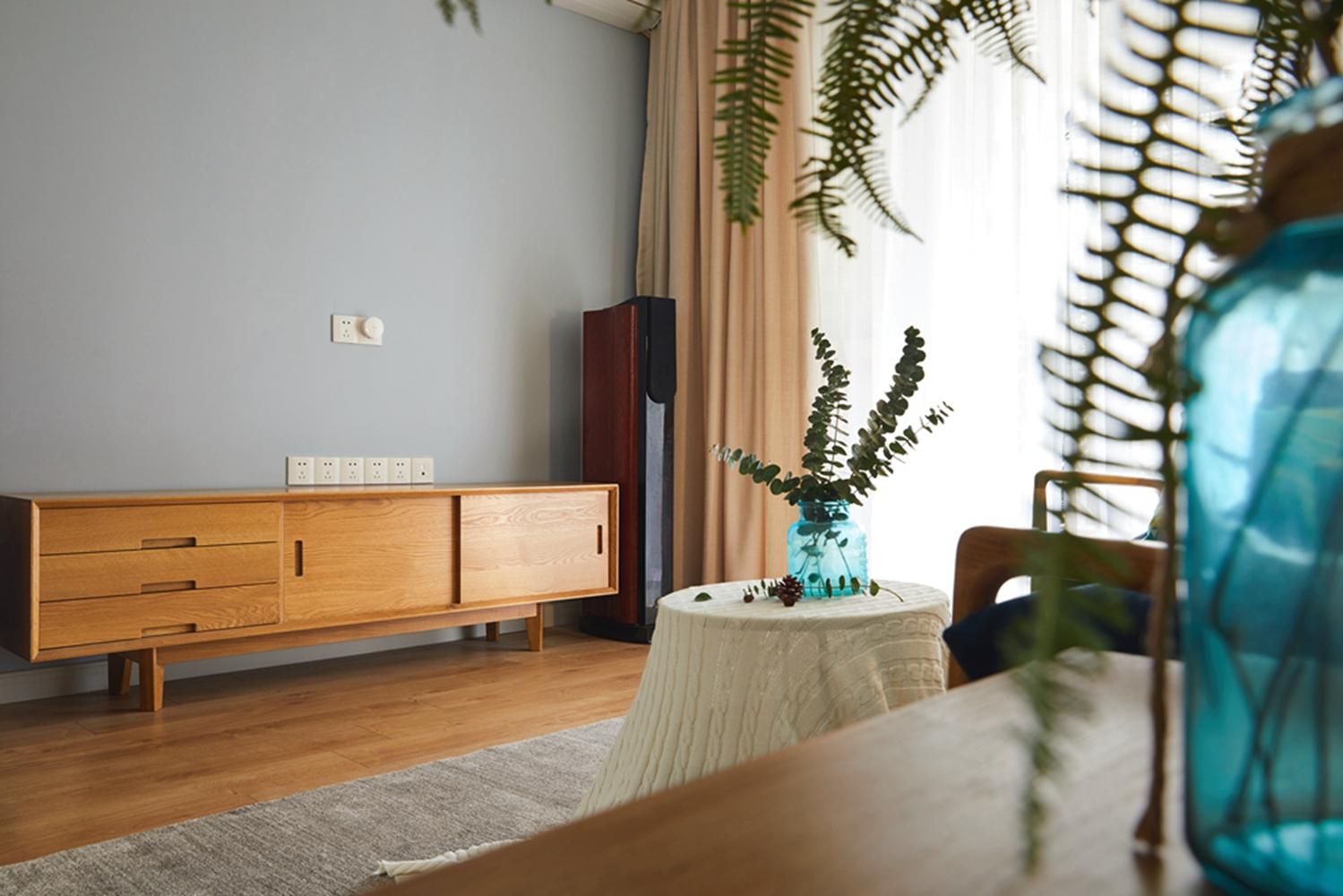 80平北欧风设计电视柜图片